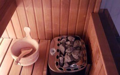Nagrzewanie ciała w saunie latem. Czy to dobry pomysł?